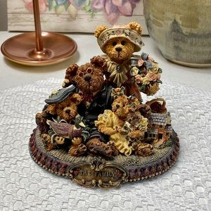 Boyds Bears Limited Edition The Family Figurine